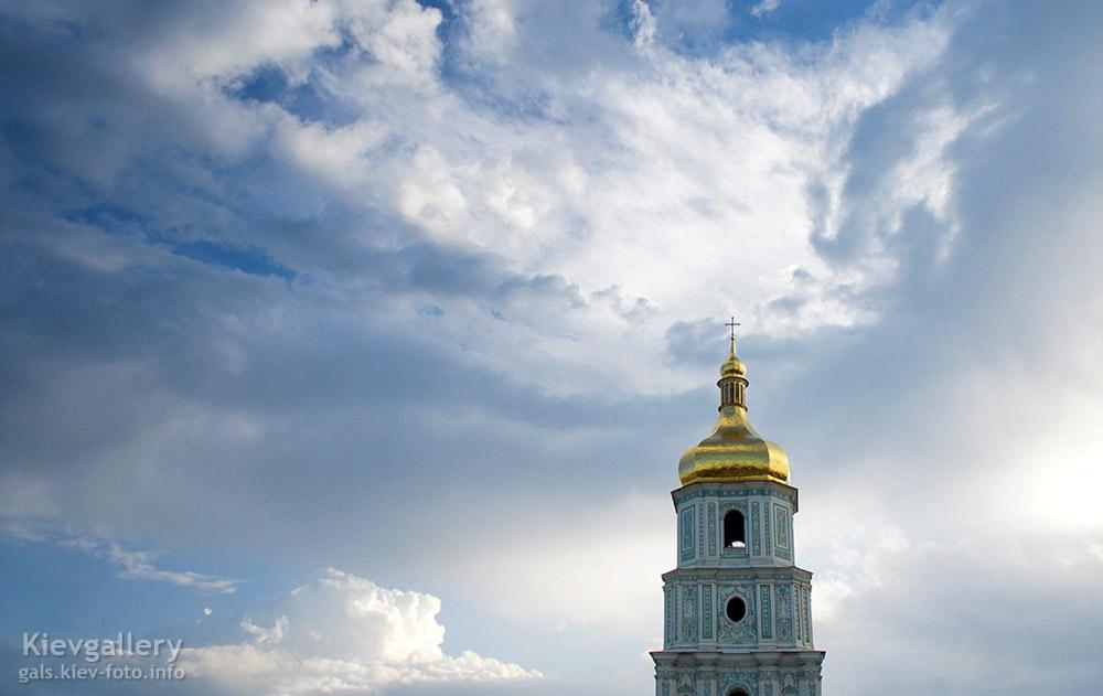 Красивое небо над колокольней - Beautiful sky above the bell tower