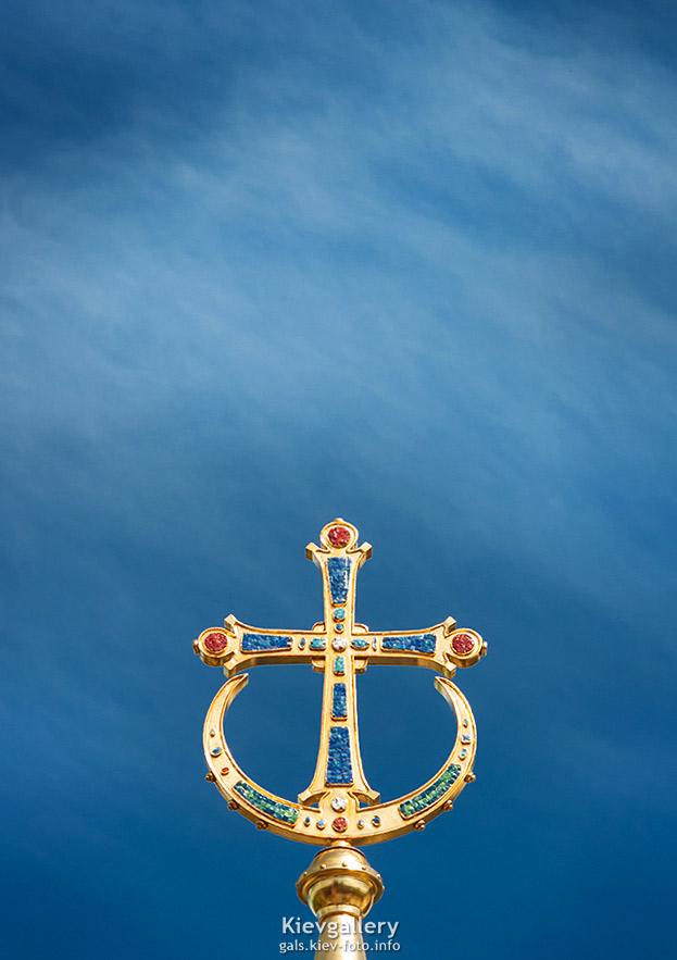 Накупольный крест - Cross on church's dome