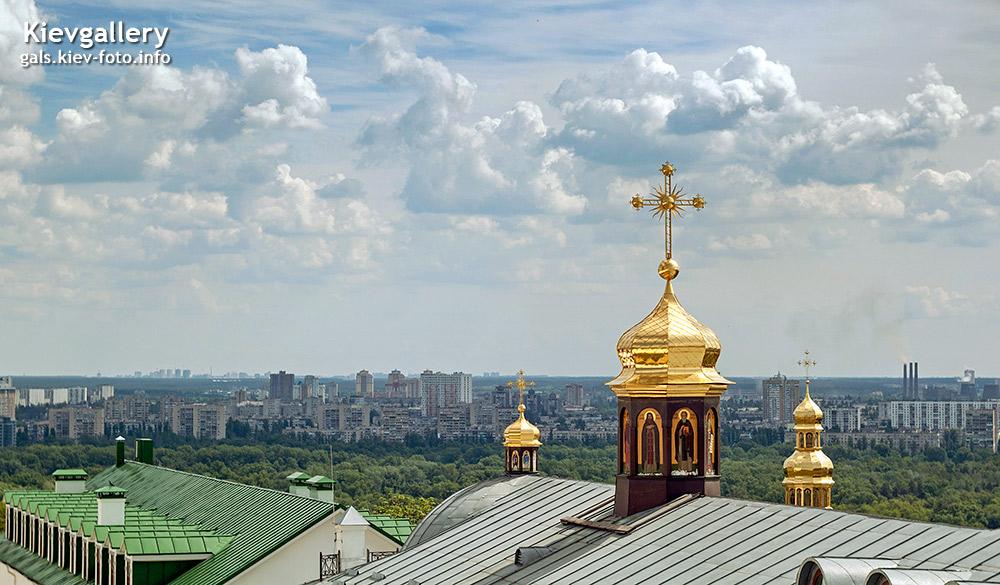 Фото Киево-Печерской Лавры. Под облаками