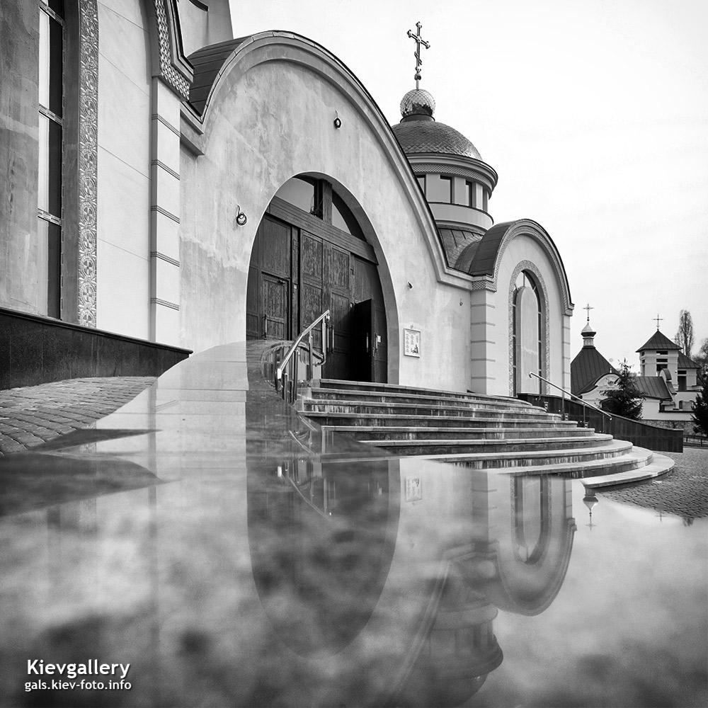 Преображенский собор на Теремках. вход в храм