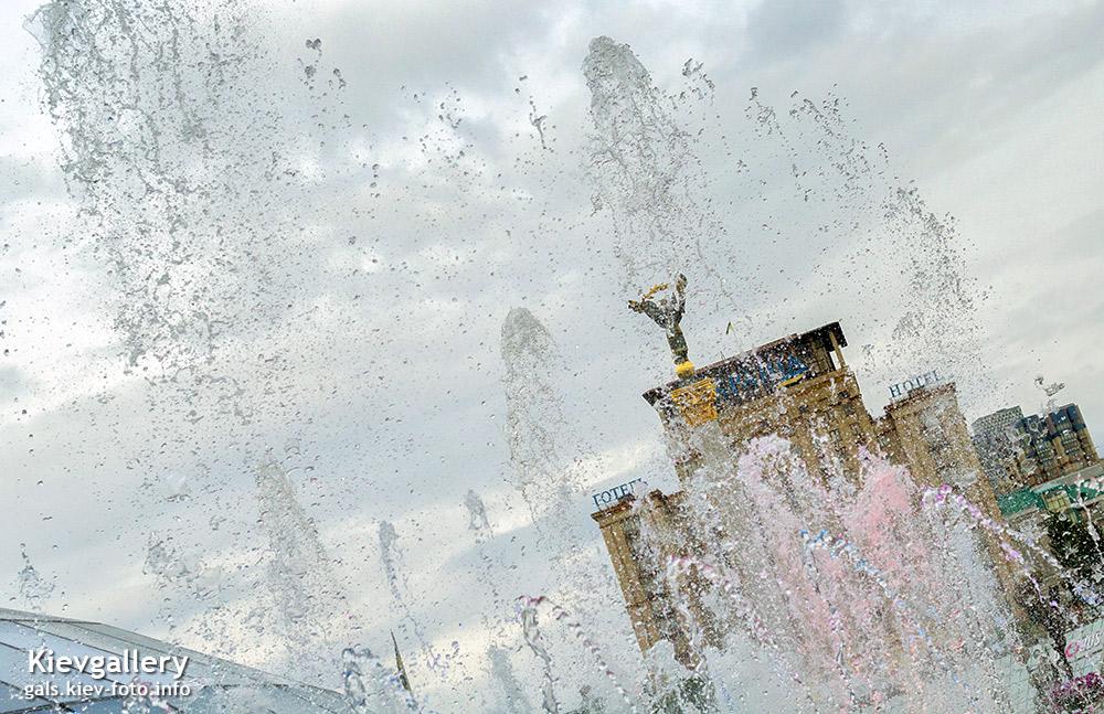 Светомузыкальный фонтан на Майдане