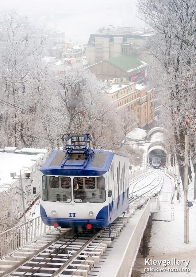 Зимний фуникулер в Киеве