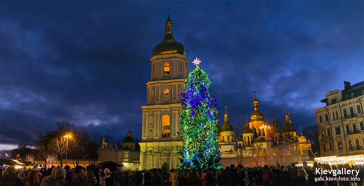 Фотографии главной новогодней елки Киева 2018