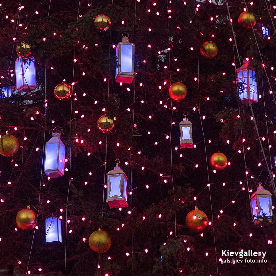 игрушки с подсветкой на елку