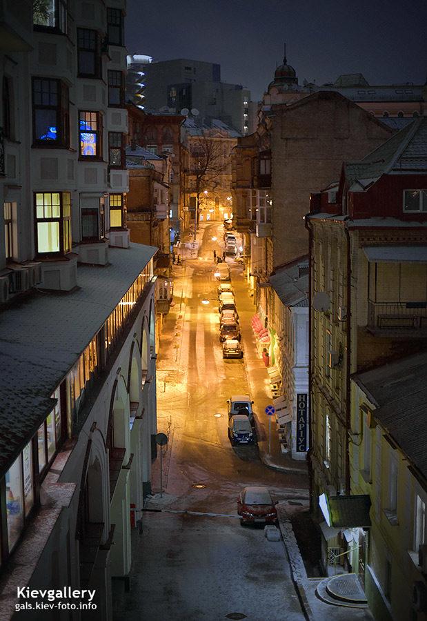 Михайловский переулок зимним вечером