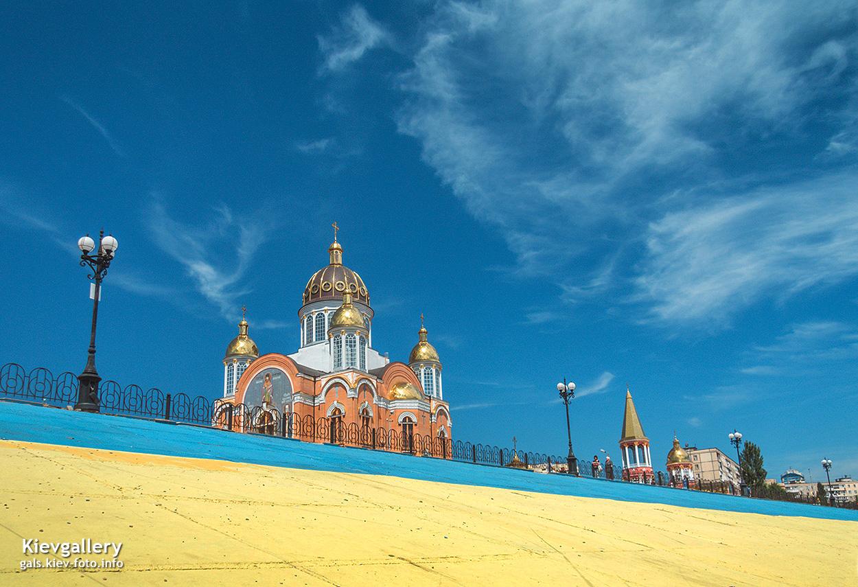 Покровский собор на Оболони. Соборы Киева (фото)