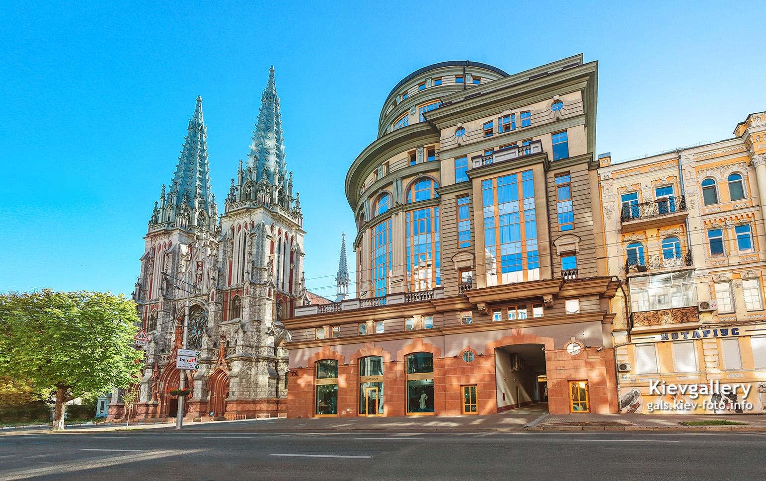 Большая Васильковская 77. Утро в районе Николаевского костела
