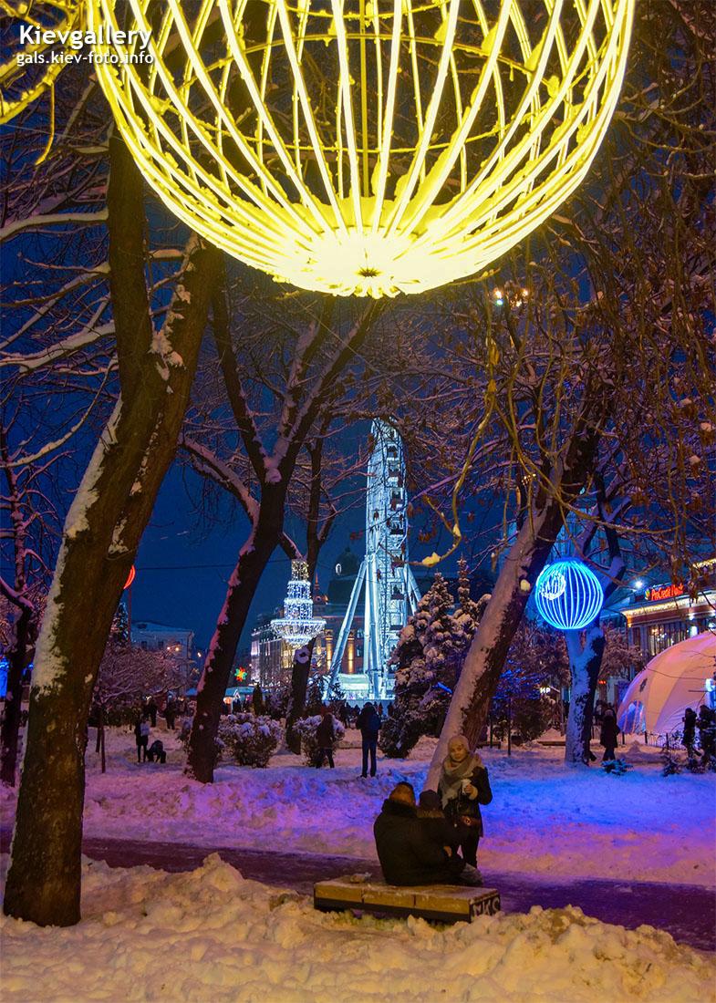 Парк иллюминаций на Контрактовой площади