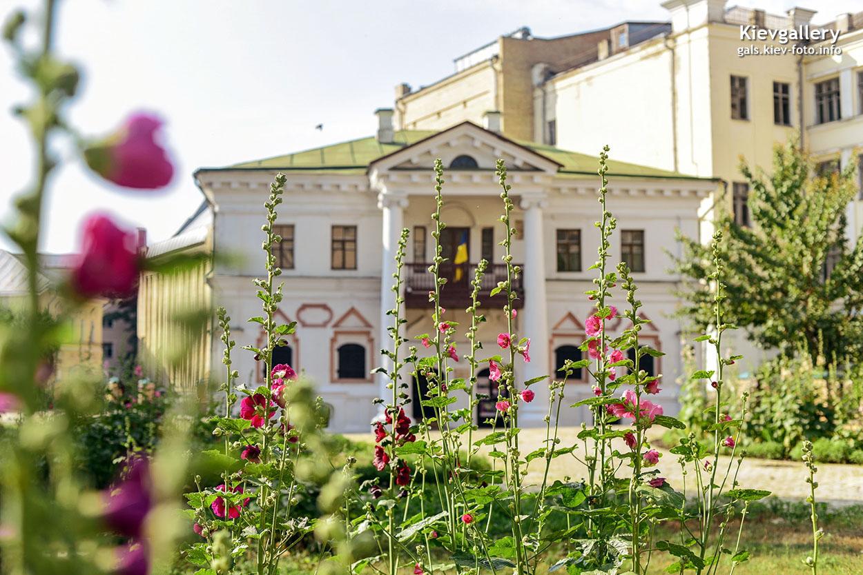 Улица Спасская на Подоле