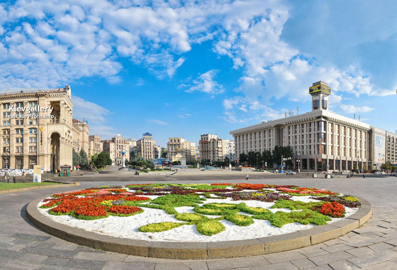 Цветочная клумба на Майдане